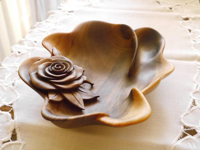 Hand carved Walnut Bowl 'Rose'