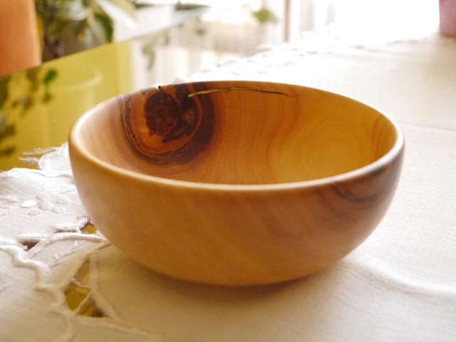 Simple Cracked Cherry Bowl